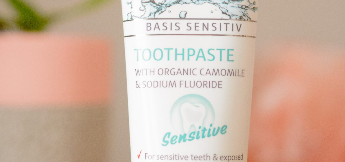 Lavera Basis Sensitiv Sensitive Toothpaste