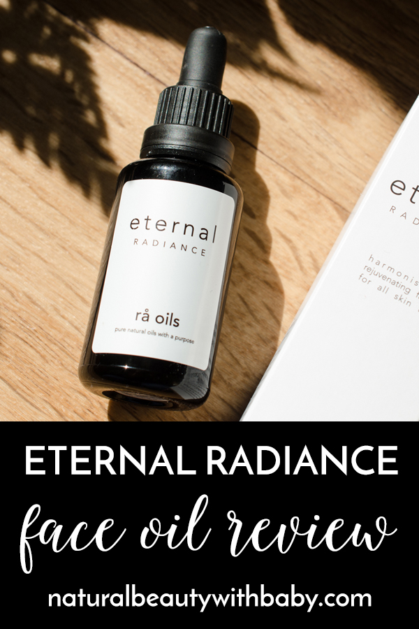 rå oils Eternal Radiance Face Oil uses rosehip and evening primrose oils to improve elasticity and reduce the appearance of fine lines and wrinkles. Read my full review of this Icelandic powerhouse of a face oil. #naturalskincareproducts #faceoil