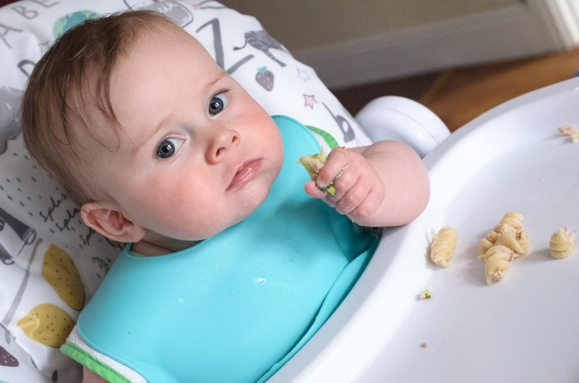 Cara eating pasta