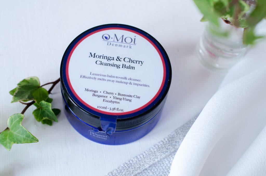 oMoi Moringa & Cherry Cleansing Balm