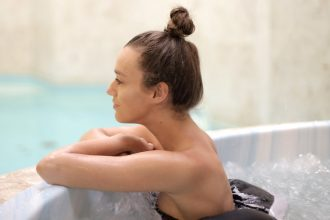 The pros and cons of hot tubs