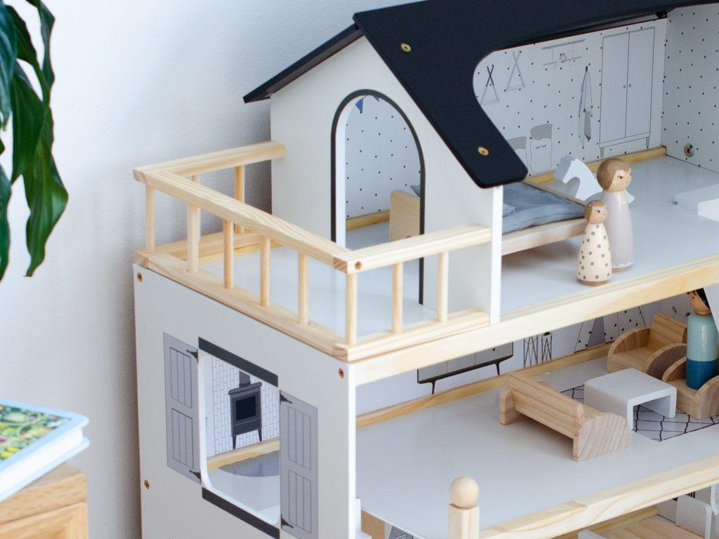 Details of the Petite Amélie Wooden Dolls House