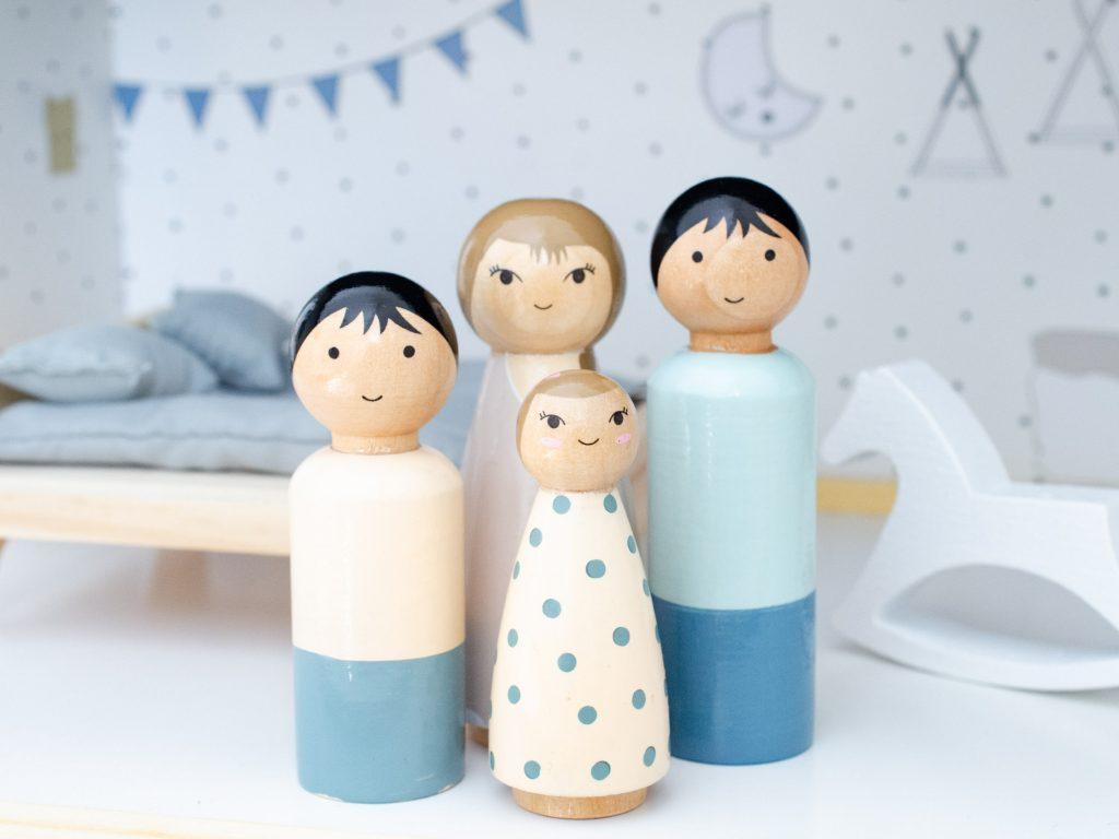 Petit Amelie family of 4 dolls