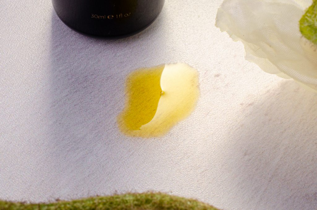 Texture of Poppy's Super Age-Defying Organic Face Oil